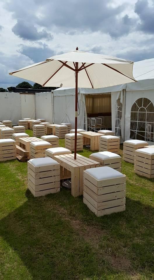 Pallet Furniture at Weddings